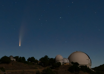 LH7431_Comet NEOWISE Rising Over Lick Observatory